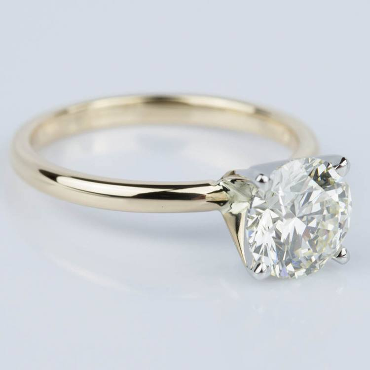 Round Brilliant Diamond Engagement Ring in Yellow Gold (1.71 ct.) angle 3