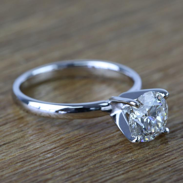 Round Classic Solitaire Diamond Engagement Ring (1 Carat) angle 3