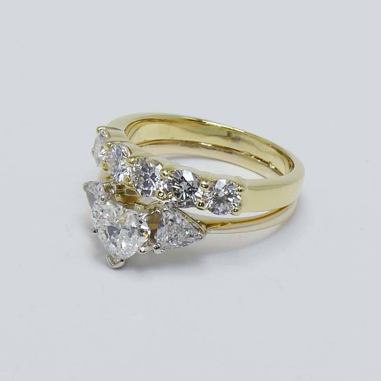 Heart and Trellis Diamond Ring with Round Diamond Wedding Band angle 3