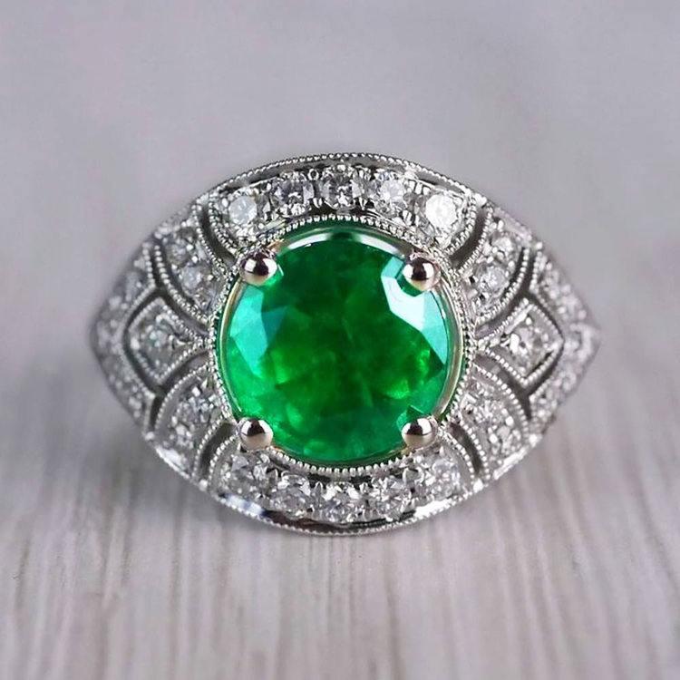 Stunning Vintage Art Deco Round Emerald Ring