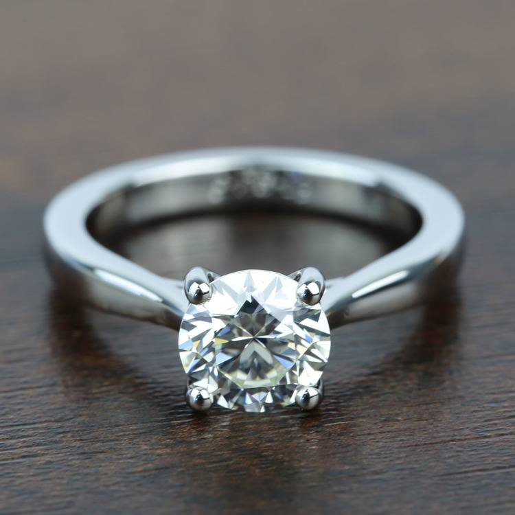 Taper 1.31 Carat Round Solitaire Diamond Engagement Ring