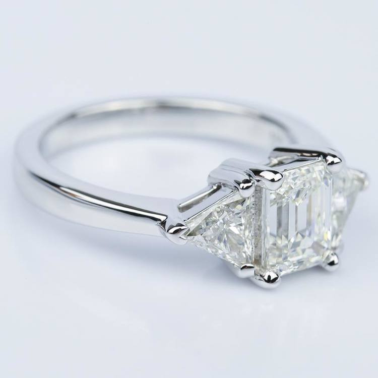 Trillion Emerald Diamond Engagement Ring in White Gold (1.01 ct.) angle 3