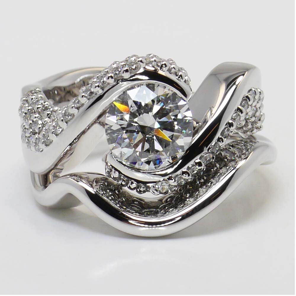 twisted diamond engagement ring and matching band in white. Black Bedroom Furniture Sets. Home Design Ideas