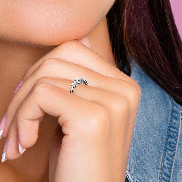 Seven Diamond Wedding Ring in Platinum (1/3 ctw) | 07