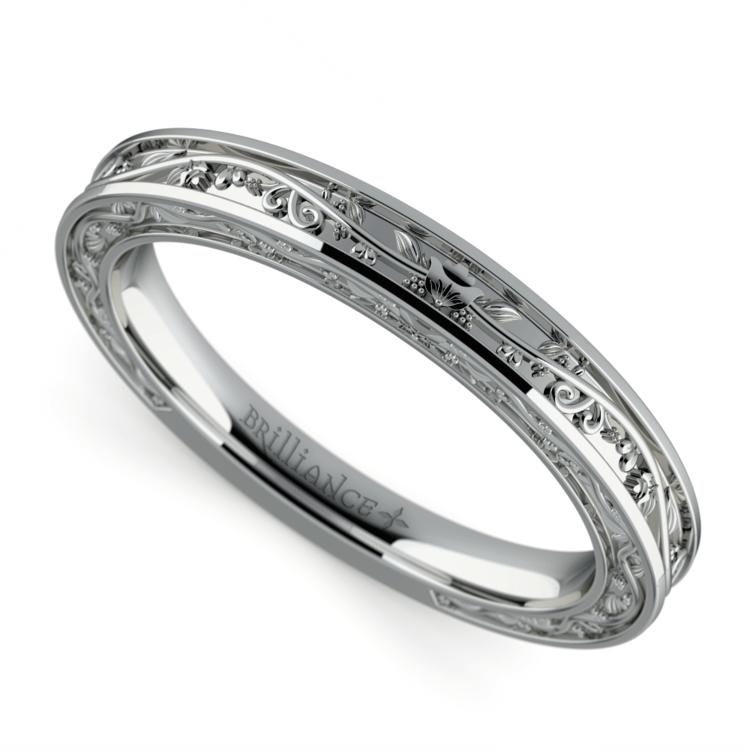 Antique Wedding Ring in Platinum | 01