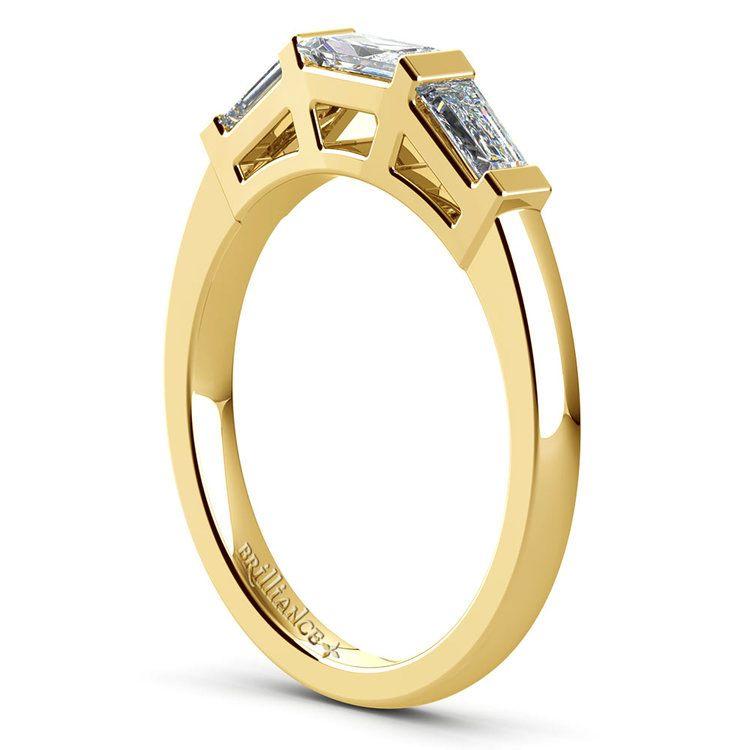 Baguette Diamond Wedding Ring in Yellow Gold (3/5 ctw) | 04