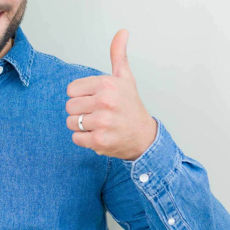 Beveled Men's Wedding Ring in Platinum (4mm)   04