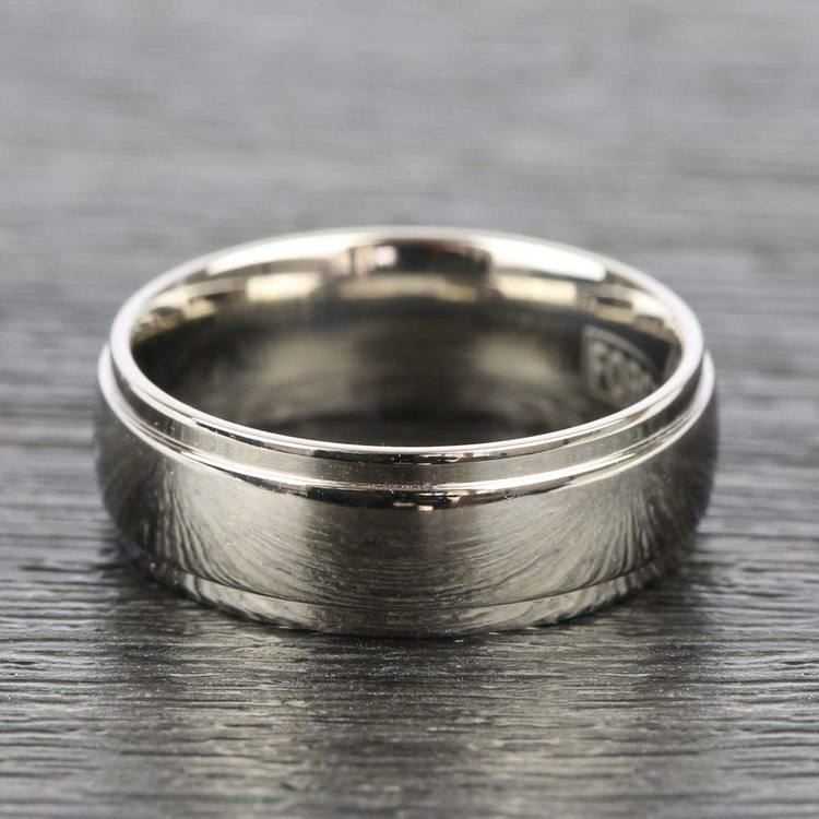 Beveled Men's Wedding Ring in Titanium (7mm) | 05