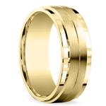 Beveled Satin Men's Wedding Ring in Yellow Gold | Thumbnail 02