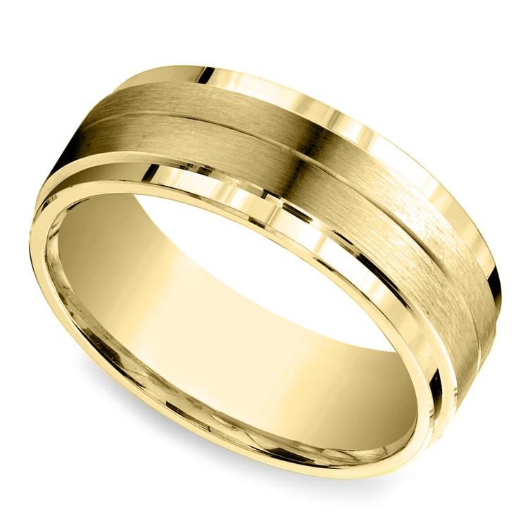 Beveled Satin Men's Wedding Ring in Yellow Gold | 01