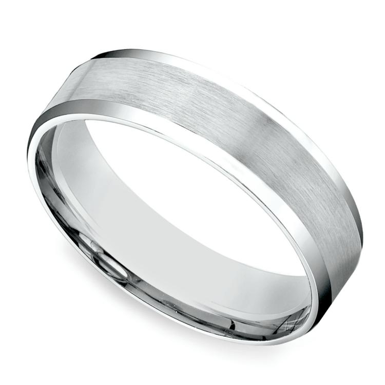 Carved Beveled Men's Wedding Ring in White Gold | 01