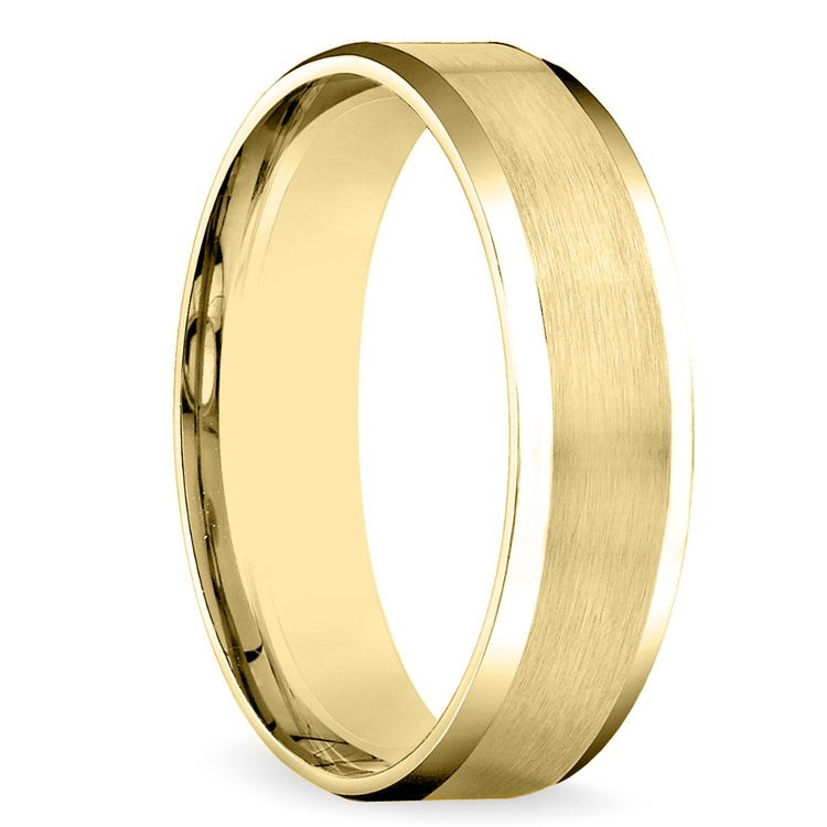 Carved Beveled Men's Wedding Ring in Yellow Gold | 02