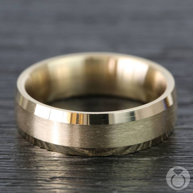 Carved Beveled Men's Wedding Ring in Yellow Gold | 03