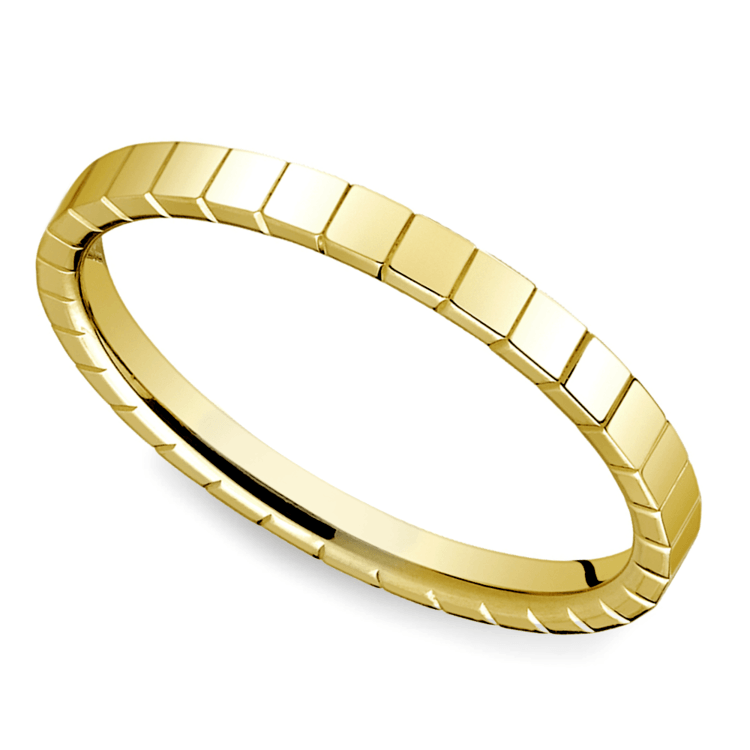 Carved Men's Wedding Ring in 14K Yellow Gold | 01