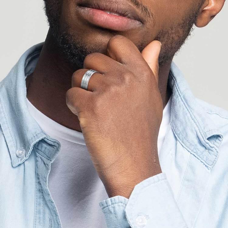 Carved Satin Men's Wedding Ring in Platinum   04