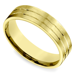 Carved Satin Men's Wedding Ring in Yellow Gold