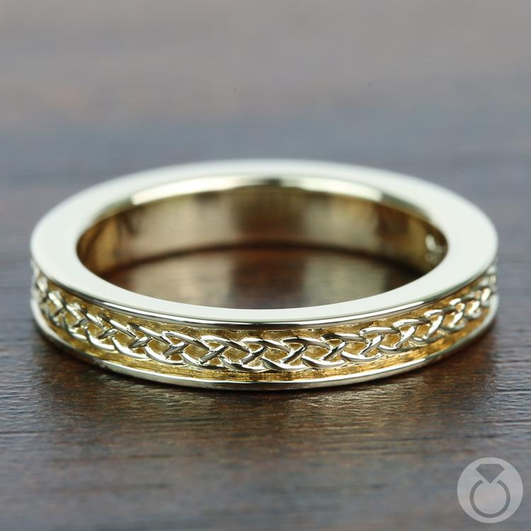 Celtic Knot Wedding Ring in Yellow Gold   05