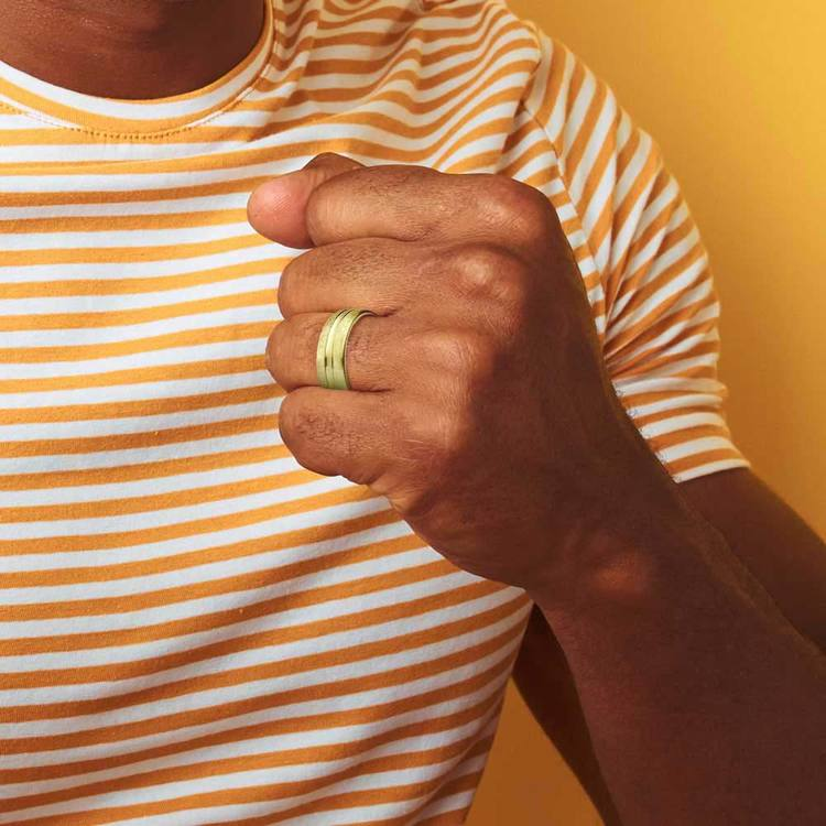 Convex Swirl Men's Wedding Ring in Yellow Gold   04