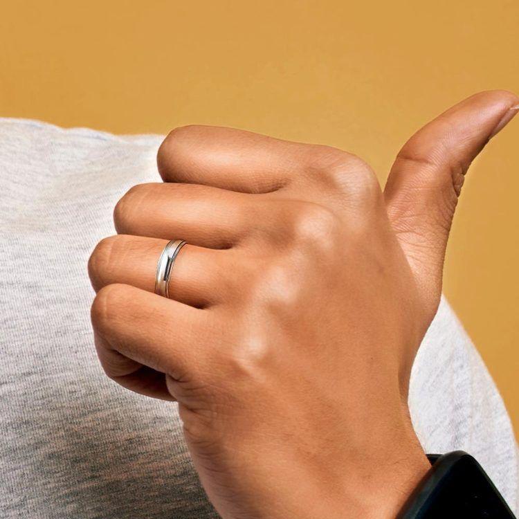Domed Step Edge Men's Wedding Ring (5 mm) in Platinum | 05