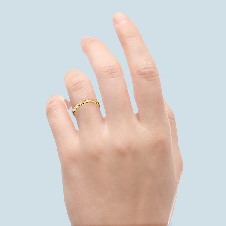 Faceted Women's Wedding Ring in Yellow Gold | 03