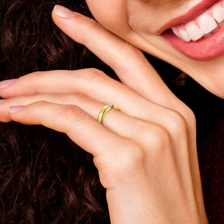 Flat Promise Ring with Round Diamond in Yellow Gold (3.25mm)   07