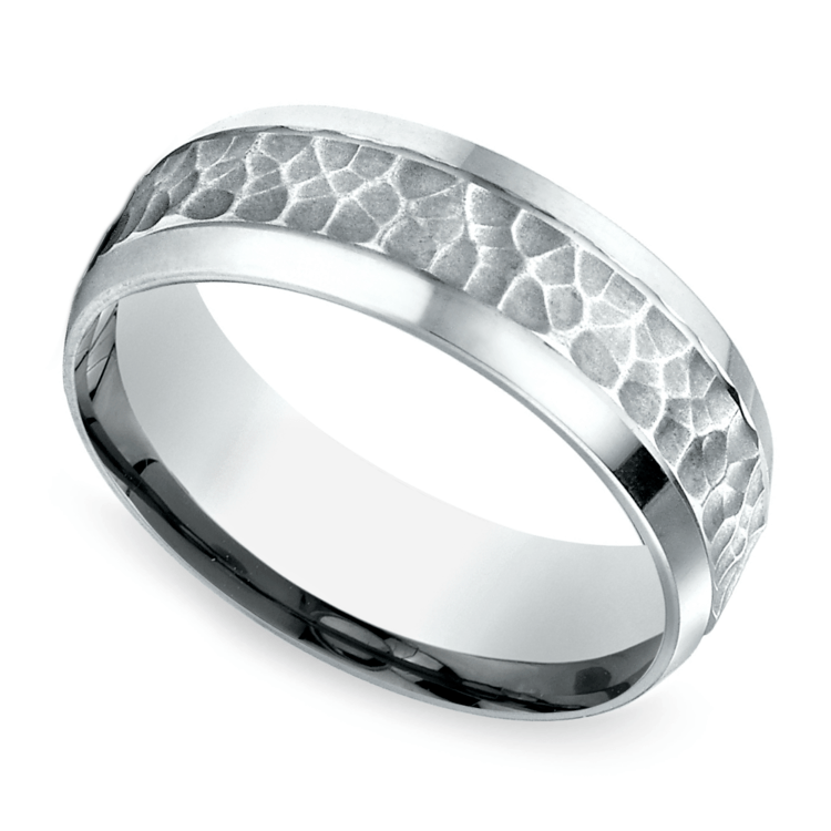 Hammered Beveled Men's Wedding Ring in White Gold | 01