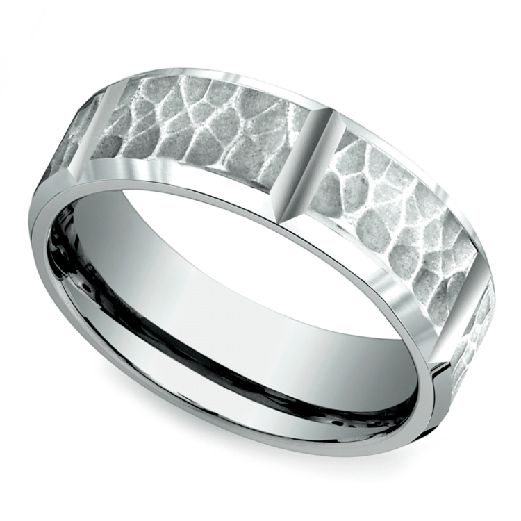 Hammered Carved Men's Wedding Ring in White Gold | 01