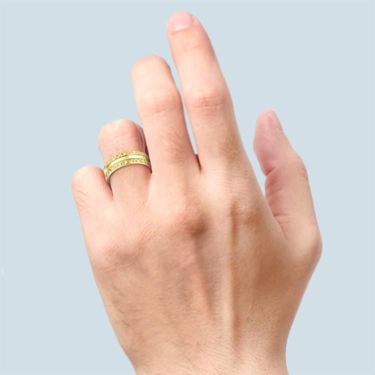 Hammered Men's Wedding Ring in Yellow Gold (7.5mm) | 03