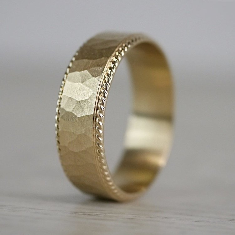 Hammered Rope Edging Men's Wedding Ring in Yellow Gold | 03