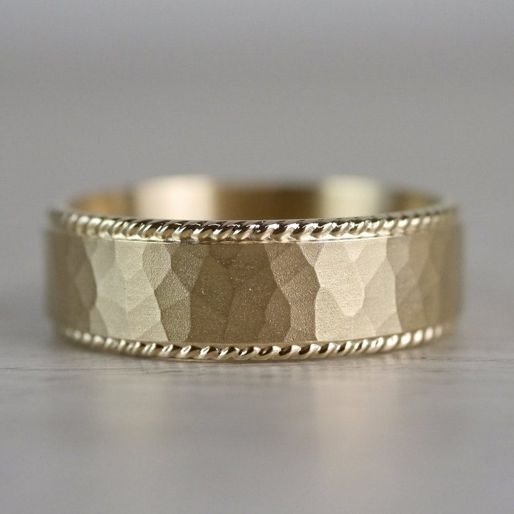 Hammered Rope Edging Men's Wedding Ring in Yellow Gold | 04