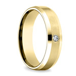 Inset Beveled Men's Wedding Ring in Yellow Gold (6mm) | Thumbnail 02