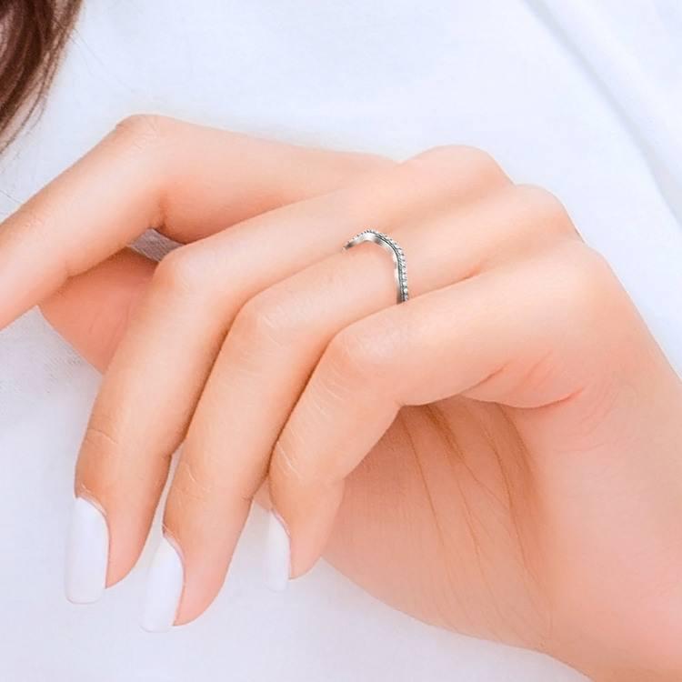 Ivy Diamond Wedding Ring in White Gold | 07