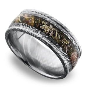 Predator -  Damascus Steel Mens Ring with Kings Mountain Inlay