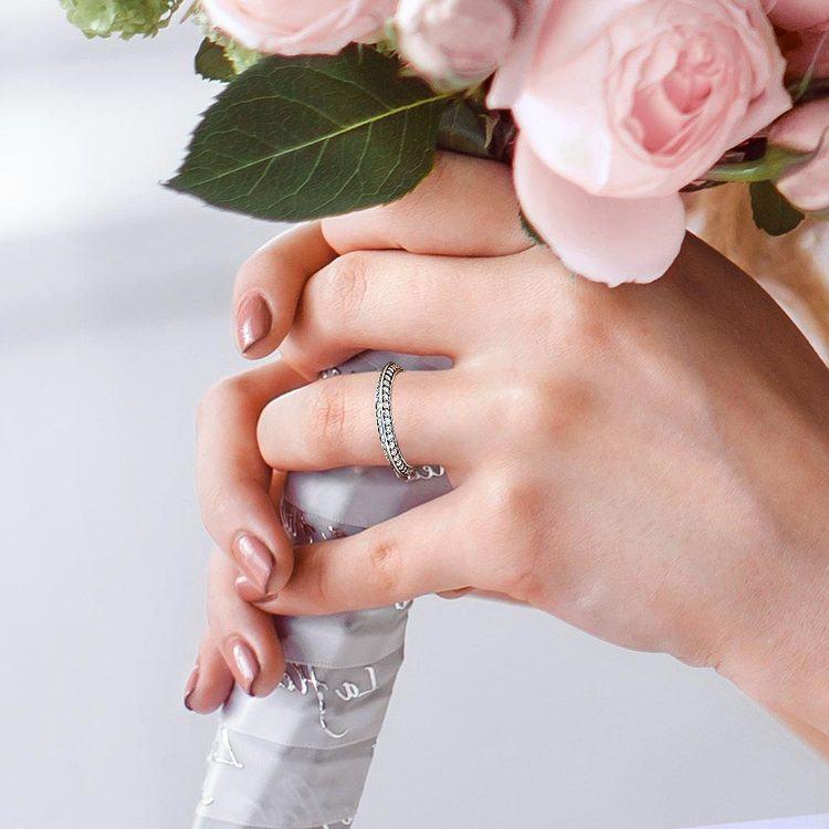 Knife Edge Diamond Wedding Ring in Platinum (1/2 ctw) | 07