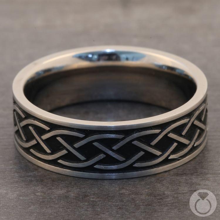 Heartstrung - Titanium Mens Band with Celtic Sailor's Knot | 04