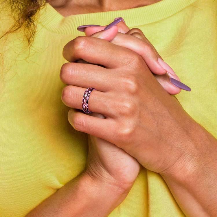 Laser Engraved Pink Camo Wedding Ring in Ceramic   05