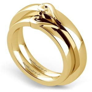 Matching Curled Heart Wedding Ring Set in Yellow Gold