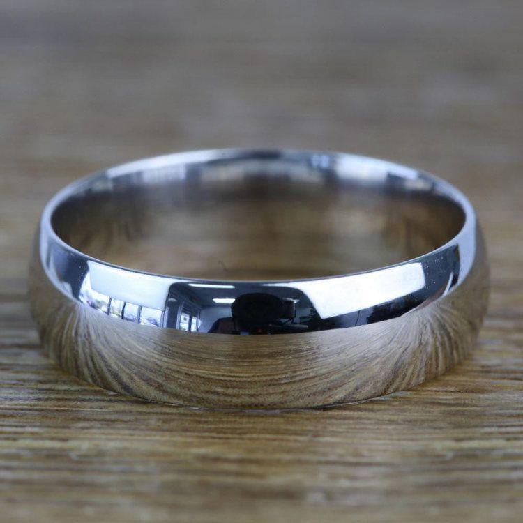 Mid-Weight Men's Wedding Ring in Platinum (6mm)   03