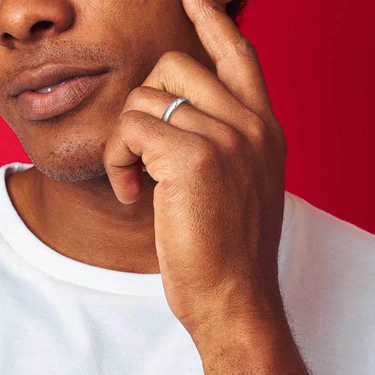 Milgrain Men's Wedding Ring in Platinum (4mm) | 04