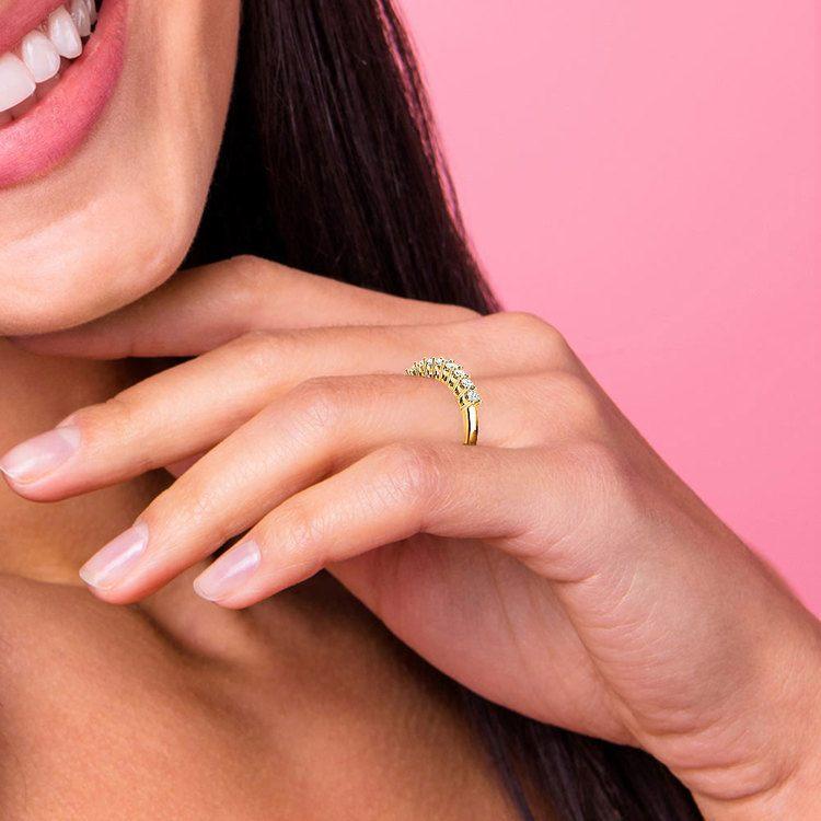Nine Diamond Wedding Ring in Yellow Gold (1/2 ctw)   07