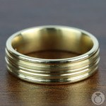 Sectional Satin Men's Wedding Ring in Yellow Gold | Thumbnail 03
