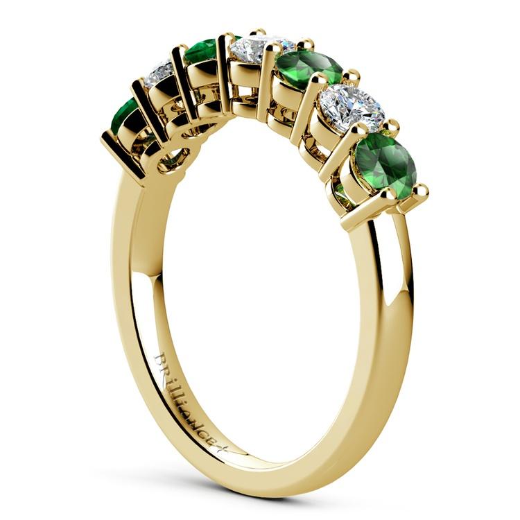 Seven Diamond & Emerald Wedding Ring in Yellow Gold | 04