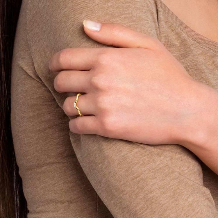 Swirl Style Wedding Ring in Yellow Gold   07