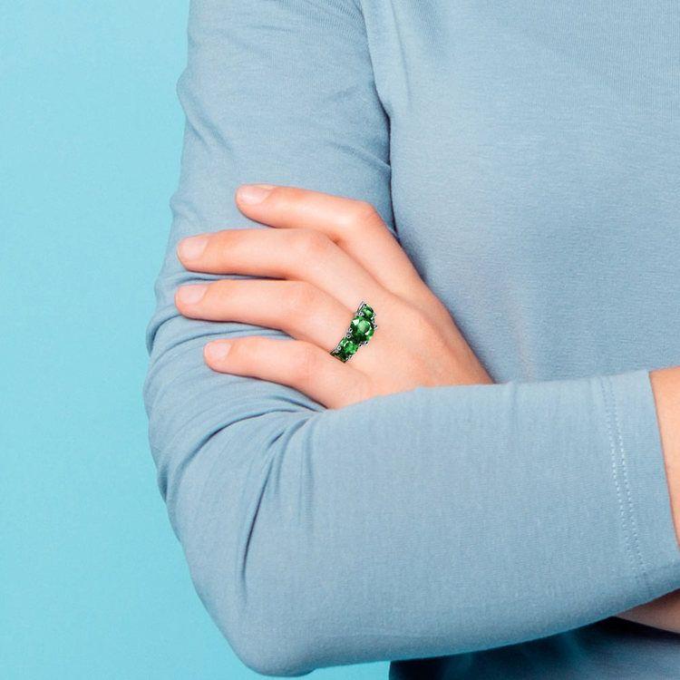Trellis Five Emerald Gemstone Ring in Platinum   07