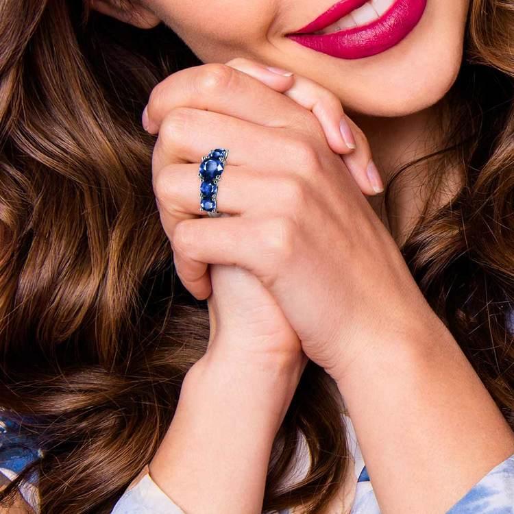 Trellis Five Sapphire Gemstone Ring in White Gold | 07