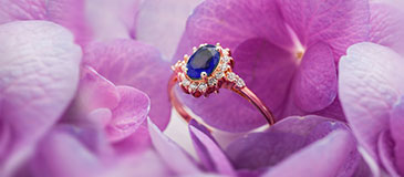 Style Guide: Blue Sapphire Wedding Rings