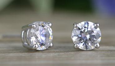 326024596767f Luxury Diamond Jewelry and Gift Ideas in Many Affordable Styles