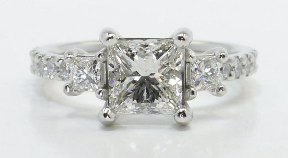 The Three-Stone Diamond Setting