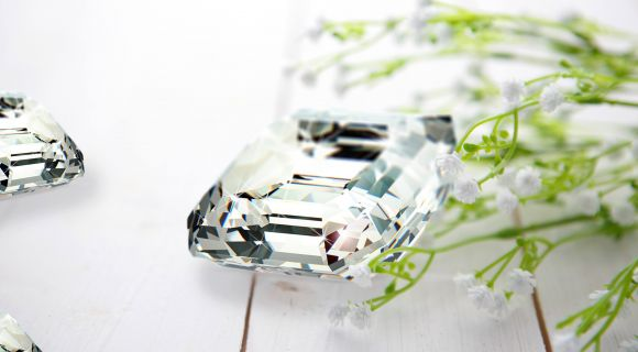 How Many Facets Does a Diamond Have?