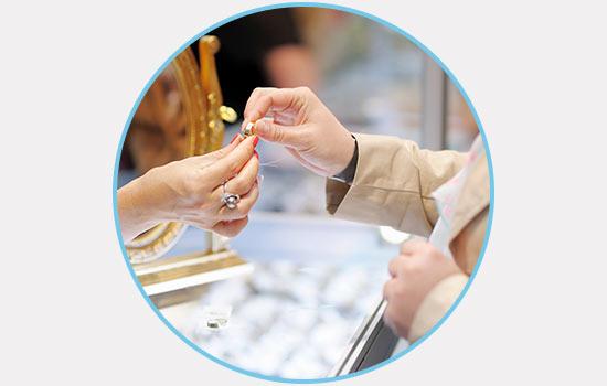 Disadvantages to Online Diamond Wholesalers | Brilliance.com